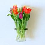 Bruksföremål - Vägghängd vashållare för blommor eller ljus.