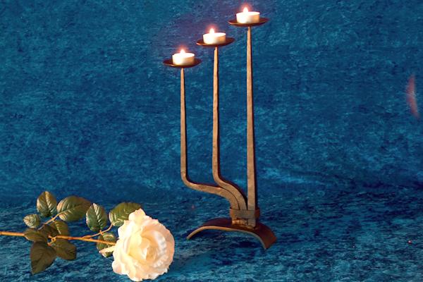 Ljusstakar - Trearmad bordsljusstake för värmeljus.
