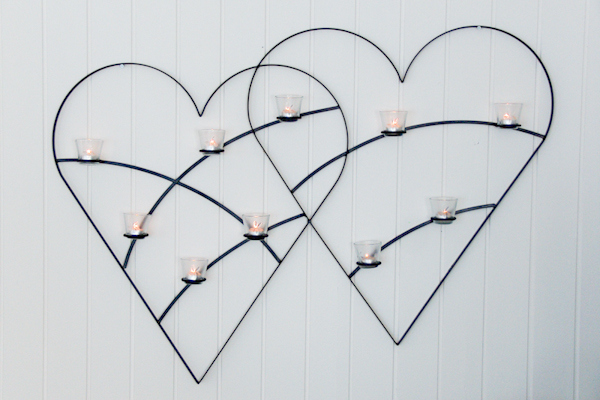 Väggljusstakar - Dubbelhjärta för tio glashållare med värmeljus.