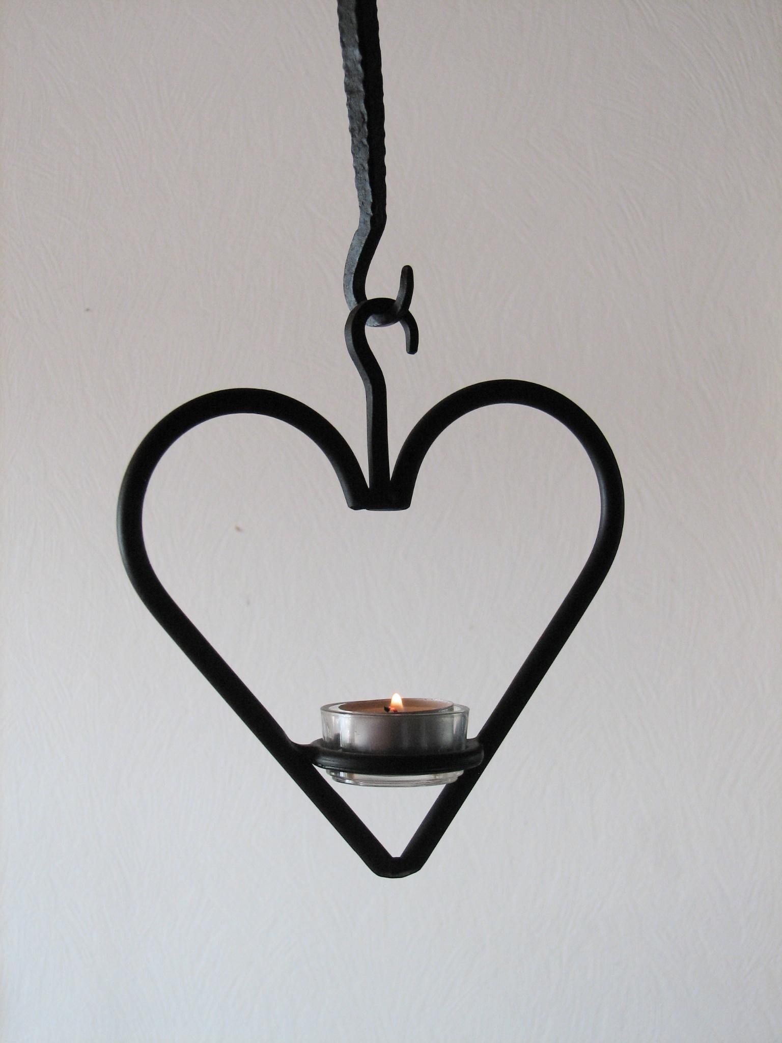 Ljuskronor - Hängande hjärta för värmeljus.